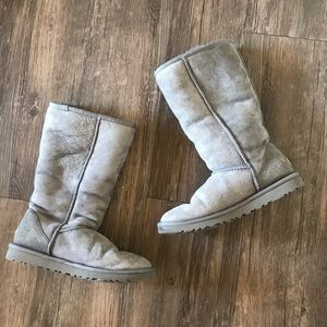 Grey UGG boots size 6 ❤️TAKING OFFERS❤️
